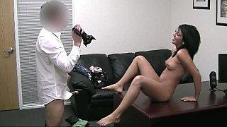 18岁的珍娜想成为一名色情明星