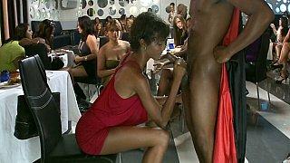 Bachelorette口交派对!
