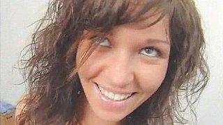 俄罗斯青少年娜塔莎得到她的阴部和屁股性交