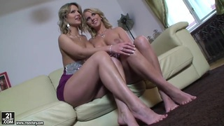 Samantha Jolie doing miracles with her awesome feet