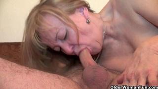 奶奶会让你渴望她的阴户