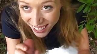 达林使用她的脸孔来治疗花花公子的需求