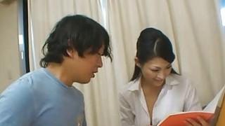 日本家庭教师Ryo奖励她的学生