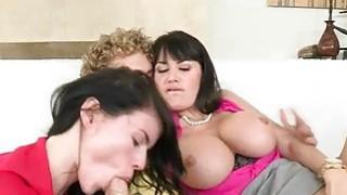 Stepmom Eva Karera 3some,可爱的青少年
