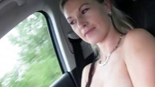 热金发hitchhiker阿莲娜得到性交