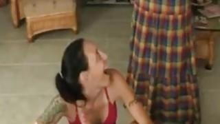 妈妈抓女儿给她的口交给她的儿子 -  Hotmoza.com