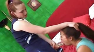 年轻女同志玩假阳具