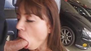 Franceska Jaimes在停车场的屁股上猛击