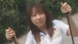 讨厌的男人帮一个无辜的日本女学生爆炸