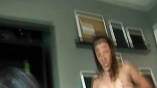 令人难以置信的青少年三路性爱录像