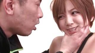 角质日本贱人散布她潮湿的剃毛猫