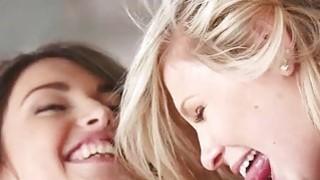女同性恋爱好者喜欢热情的lesbosex