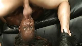 令人震惊的黑人妇女的嘴巴他妈的