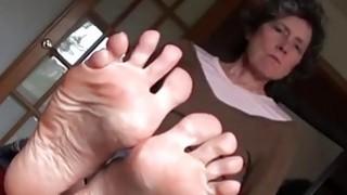 OmaFotze老奶奶正在玩脚