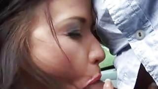 漂亮的少女Niki甜蜜性交和在公共场所j。