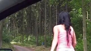 Perky山雀十几岁的女孩达芙妮克莱德在农村捣毁