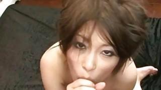 Saki Ootsuka日本熟女得到正确的泵