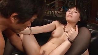 男人是可爱的日本宝贝活泼的大胸部