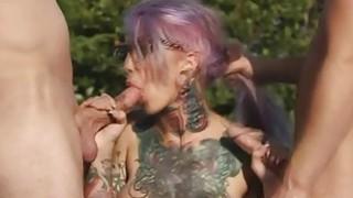 甜辣妹Sydnee Vicious爱他妈的一个硬鸡巴