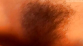 亚洲青少年雷纳得到阴部在性日子猛烈殴打