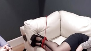 非常硬核BDSM绳索可以与肛门动作配合使用
