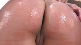 Tiffany Wells的性感大屁股和真正巨大的烙印