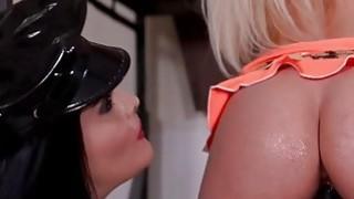 BDSM是我们真正的爱和美妙的假阳具
