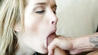 热的青少年gf从pussyeating达到大o