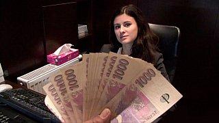 我们紧张的猫的钱;一个令人敬畏的交易!