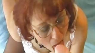 疯狂的奶奶是一个包装与许多技能