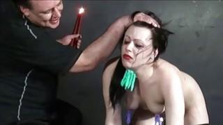 羞辱的奴隶伊莎贝尔院长盯住和惩罚