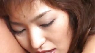泉子京子喜欢两个家伙的性关注