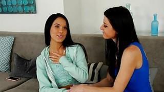 心脏破碎的青少年hottie与她的继母去同性恋