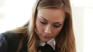 漂亮的青少年Sadie布莱尔在调皮的青少年幻想