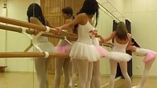 西部女同性恋的女孩热的芭蕾女孩狂欢