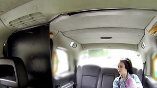 女性出租车司机用刘海客户表带