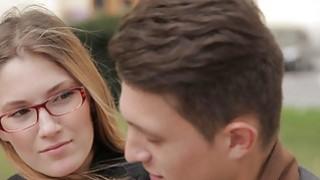休闲青少年性 - 青少年学习英语和他妈的