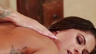 热Jessa阴部嘴唇和甜蜜的阴蒂