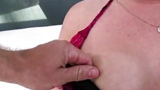 性感丰满的宝贝哈雷玉准备一些肛门他妈的