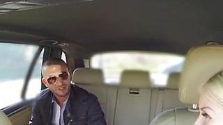 意大利人爆炸捷克女性假出租车司机