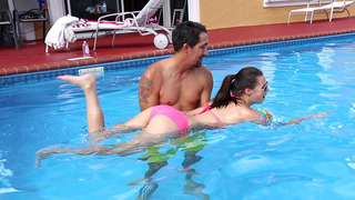 Carolina Sweets从世界级的游泳教练那里汲取教训