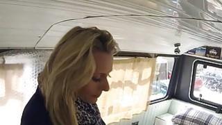 假警察肛门爆炸金发女郎在撞巴士
