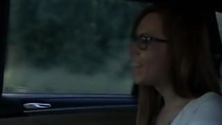 女司机司机舔她的顾客