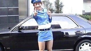 字幕日本公开裸体超短裙警察