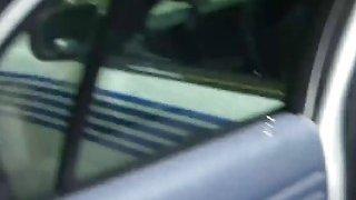 肮脏的嘴巴丰满的金发警察警察滥用大黑公鸡交通违法者