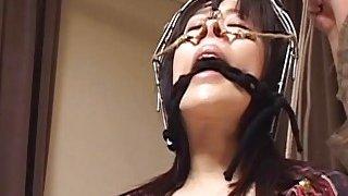 字幕奇怪的日本鼻钩BDSM屁股