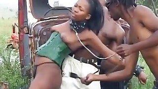 淫黑奴隶进入一些顺从行动