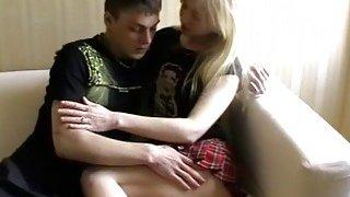 18 Videoz Abba这个金发女郎是一个真正的诱惑者