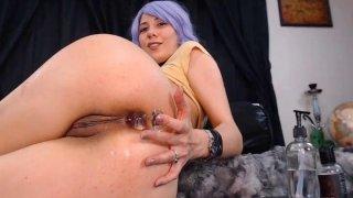 热性感小鸡钻她的屁股和猫