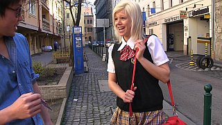 女学生在日本的冒险经历